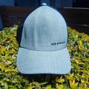 Oakley snapback trucker hat